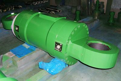 基于abaqus的钢水罐回转台整体结构有限元分析